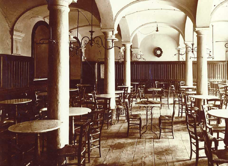 INTERIOR OF THE OLD RESTAURANT IN BIELLA